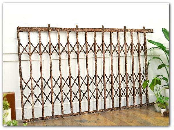 アンティーク 古いアイアン窓柵