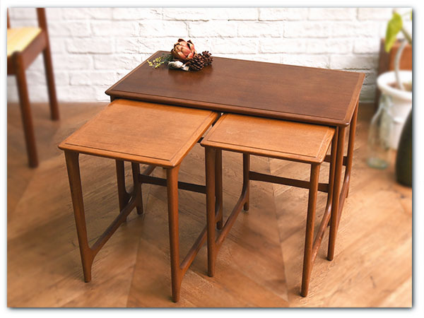 オールドマルニ チーク材ネストテーブル