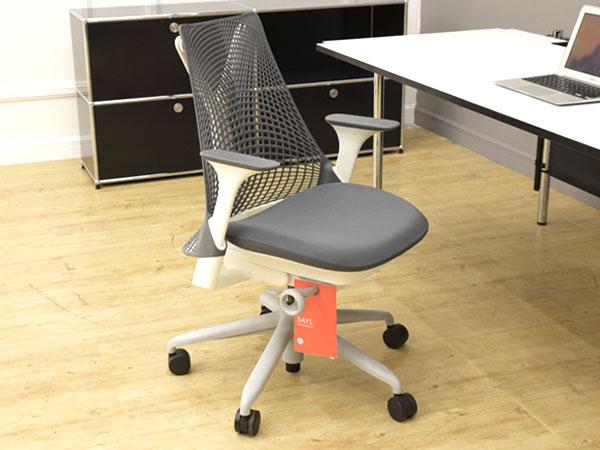 SAYL chair  ミドルバック