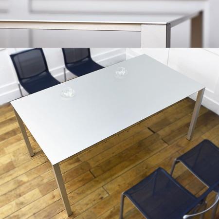 エアフレーム3004 VOテーブル