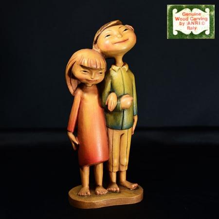 ANRI 木彫り人形