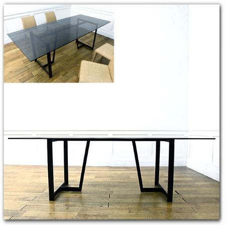 DADA ガラスダイニングテーブル
