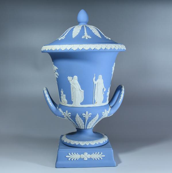 WEDGWOOD ジャスパー 飾り壺