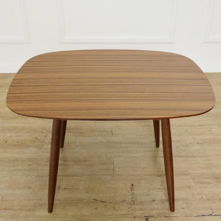 カリモク60 Dテーブル ウォールナットカラー