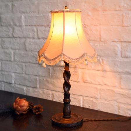英国アンティーク テーブルランプ