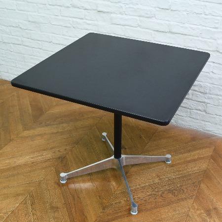 イームズ コントラクトベース 正方形テーブル
