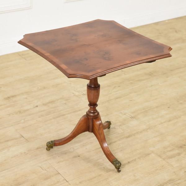 英国クラシック サイドテーブル
