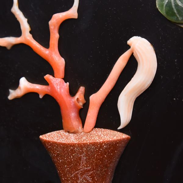 珊瑚玉彫刻 花紋 額装