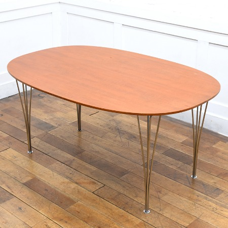 Fritz Hansen B-TABLE チーク材