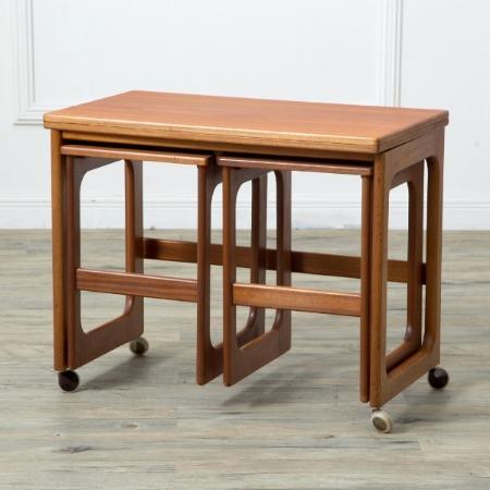 A.H.McINTOSH  ネストテーブル