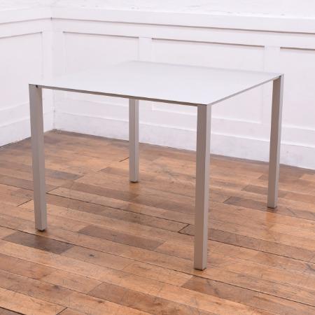 エアフレーム3004 テーブル