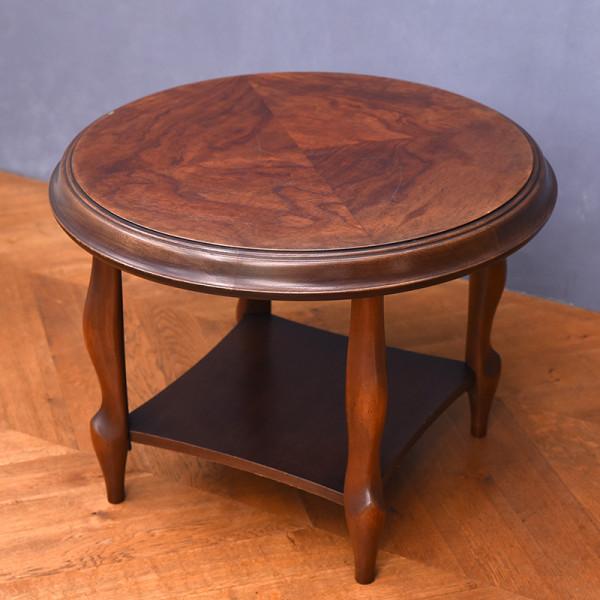 ベルサイユ ラウンドテーブル