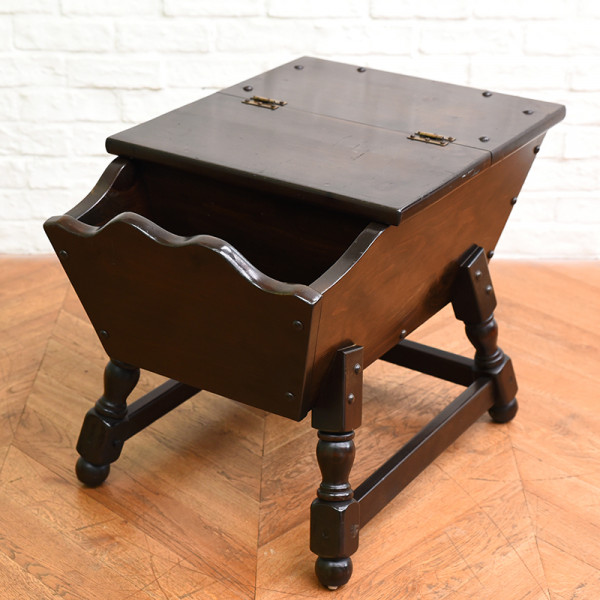 スペイン製 サイドテーブル