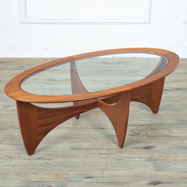 Astro オーバルコーヒーテーブル (8050)