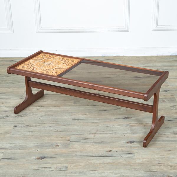G-plan タイル&ガラストップコーヒテーブル
