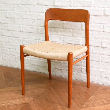 J.L.Moller / No.75 chair