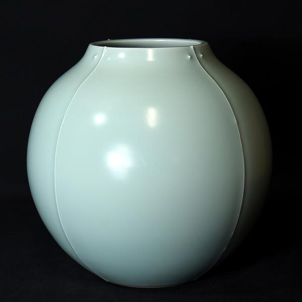 深見陶治 青白磁花瓶 共箱付き