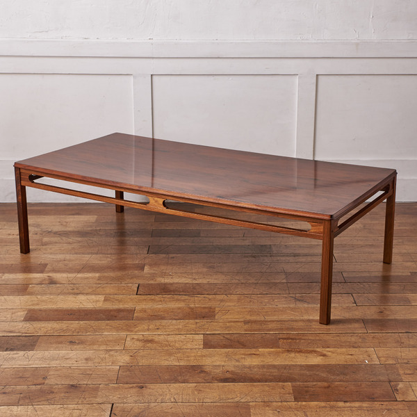 rasmus solberg センターテーブル