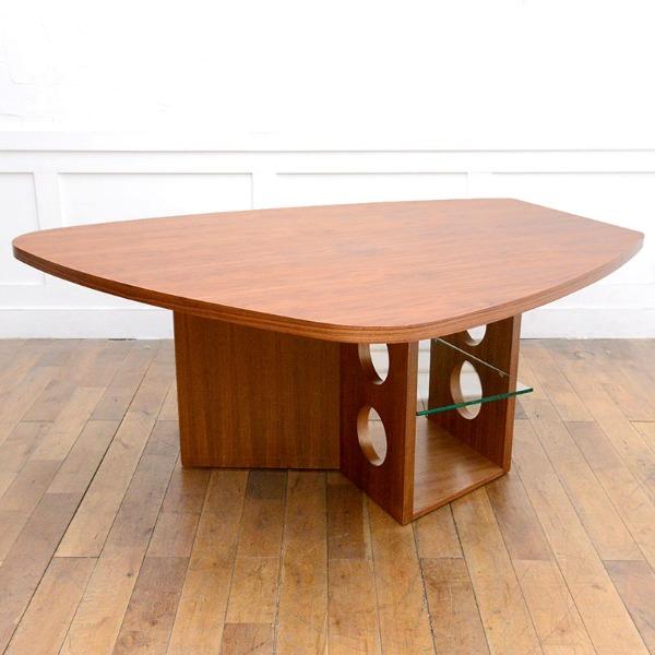 TECTA M21 ウォールナット材ダイニングテーブル