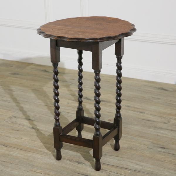 英国アンティーク ラウンドサイドテーブル