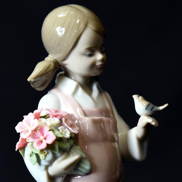 LLADRO 5217 [ 小鳥と話す少女 ] フィギュリン
