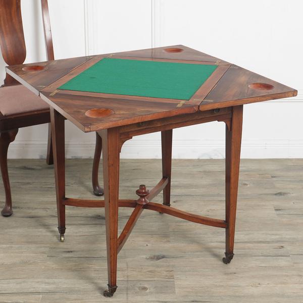 エドワーディアン カードテーブル