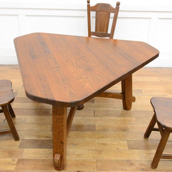 オランダ民芸 オーク無垢材 三角ダイニングテーブル