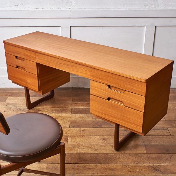 ユニフレックス Uniflex Furniture / UK Uniflex ヴィンテージ デスク