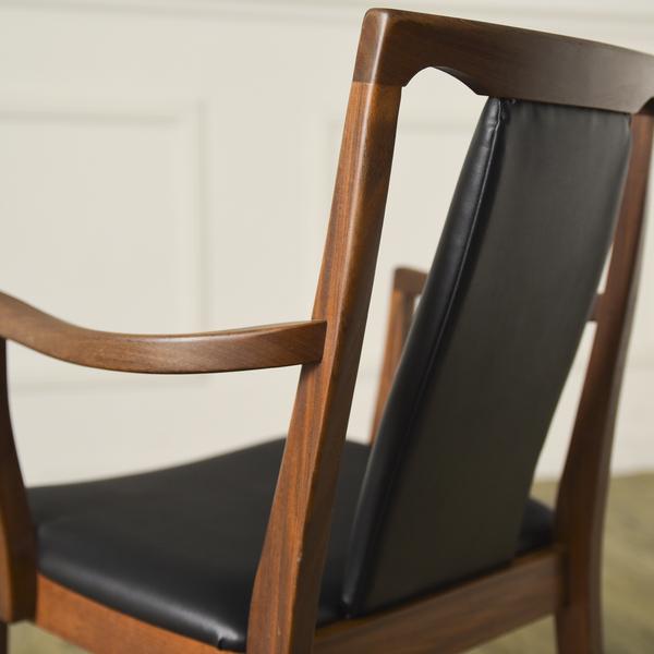 #34293 Fresco パッドバックダイニングアームチェア (Carver Chair 4567D) コンディション画像 - 2