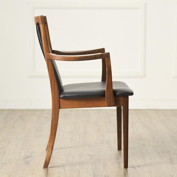 #34293 Fresco パッドバックダイニングアームチェア (Carver Chair 4567D) コンディション画像 - 3