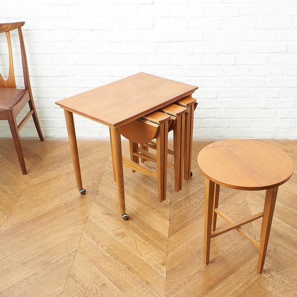 Novy Domov / Czechoslovakia Poul Hundevad  ネストテーブル