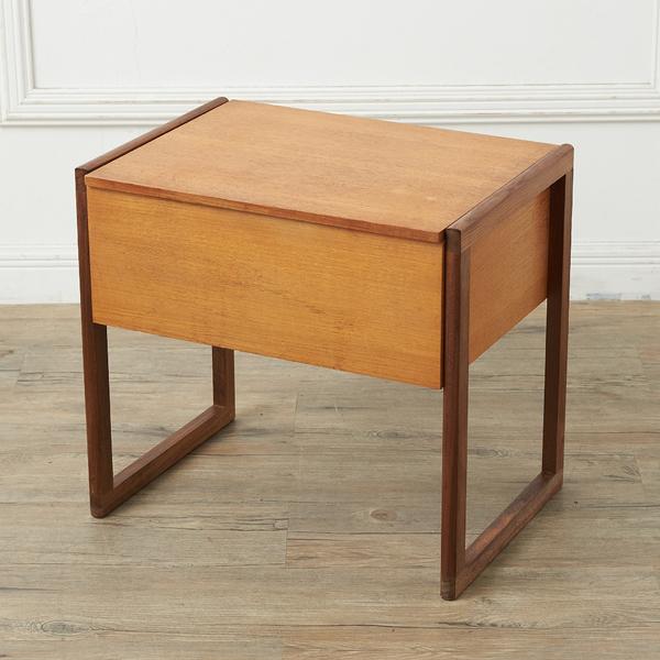 英国ヴィンテージ 収納付 サイドテーブル