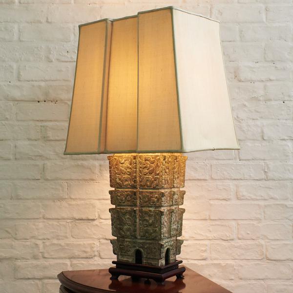 シノワズリ 饕餮紋青銅器 テーブルランプ