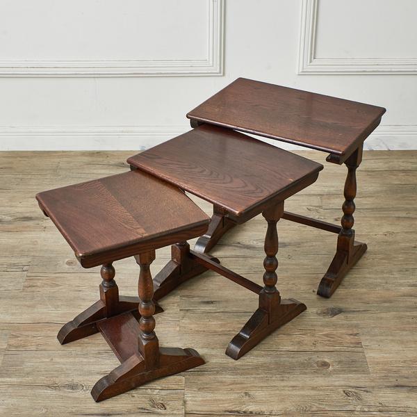 英国製 クラシック ネストテーブル