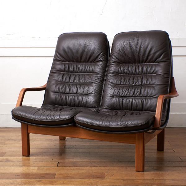 BERG Furniture ベルグファニチャー E90 Classic 本革張り ハイバック 2人掛けソファ