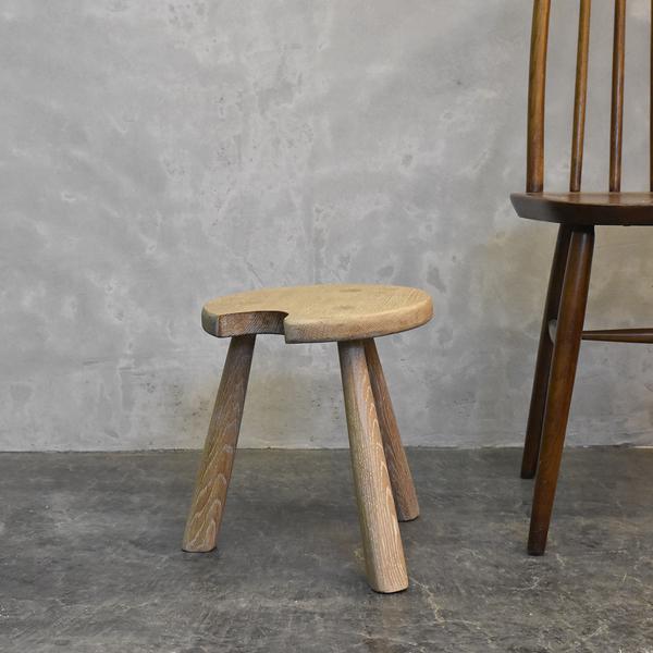 古い木製 スツール