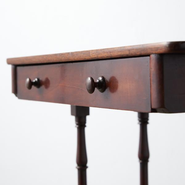 #39378 英国アンティーク ウォールナット材 サイドテーブル コンディション画像 - 2