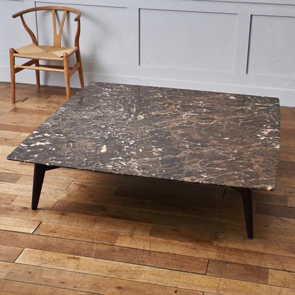 ポリフォルム Poliform BIGGER 大理石天板 リビングテーブル