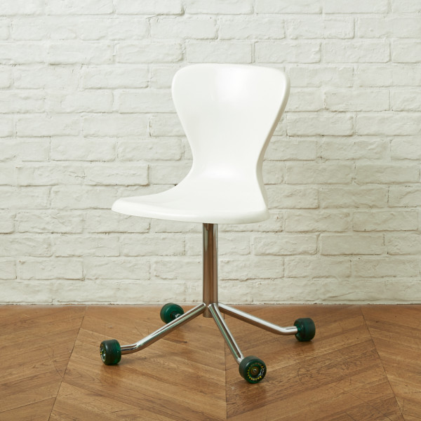 イデー IDEE YAWN CHAIR with WHEELS