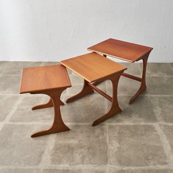 英国ヴィンテージ ネストテーブル
