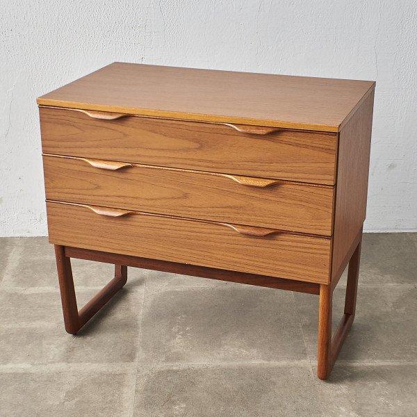 ハリス・リーブス Harris Lebus Europa furniture ヴィンテージ 3段チェスト