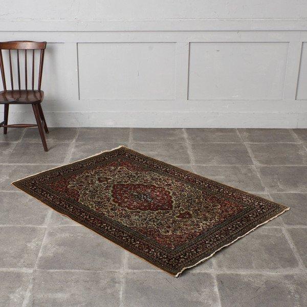 シルク製 ペルシャ絨毯