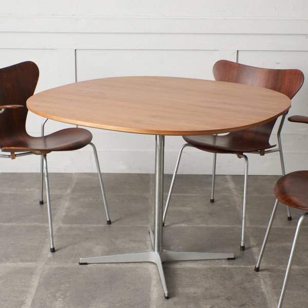 フリッツ・ハンセン Fritz Hansen Fritz Hansen A603 Super-circular Table