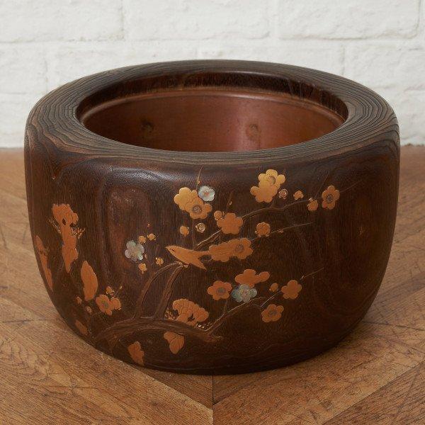 蒔絵桐刳貫火鉢