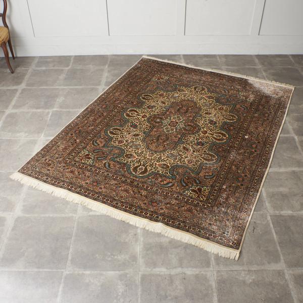 シルク製 手織り ペルシャ絨毯