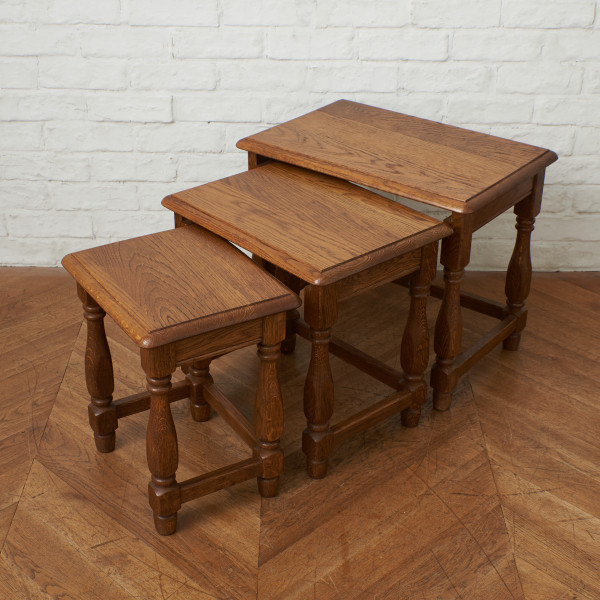 英国製 オーク無垢材 ネストテーブル