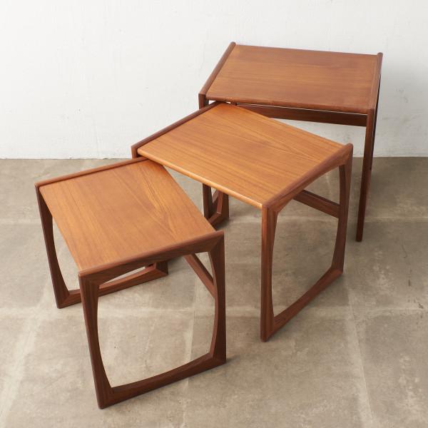 Quadrille ヴィンテージ ネストテーブル
