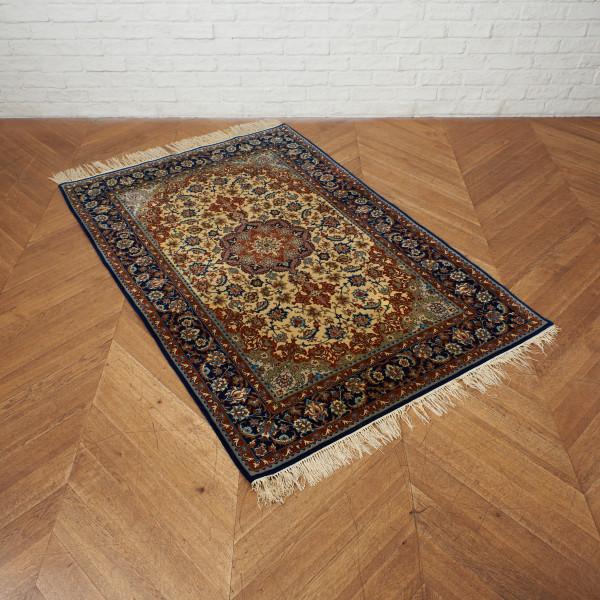 イスファハン産 ウール手織り ペルシャ絨毯