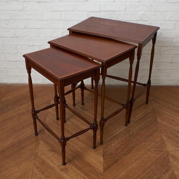英国アンティーク マホガニー材 ネストテーブル