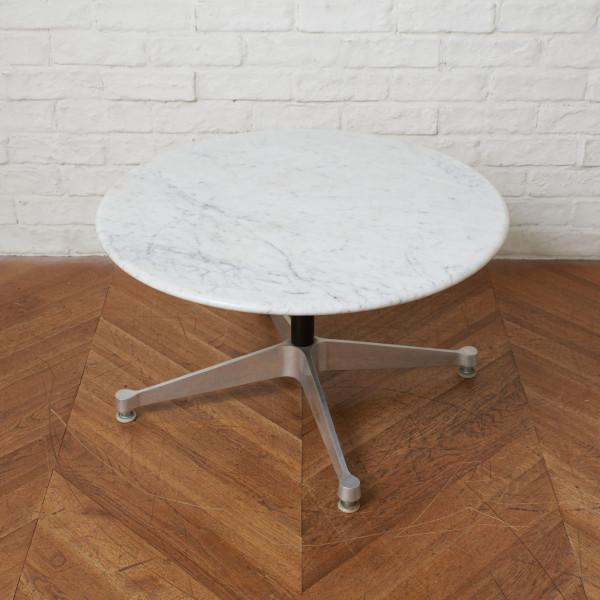 イームズテーブル コントラクトベース ラウンドローテーブル